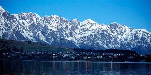 the-remarkables-mountain-range-at-night-queenstown-new-zealand-raimond-van-donk