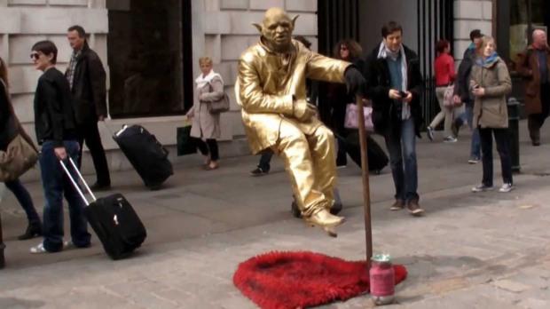 covent garden human statue
