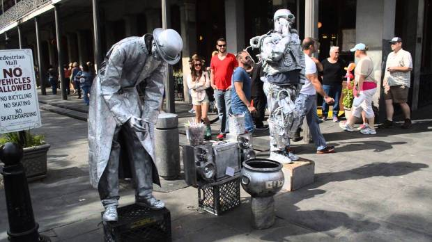 new orleans human statues